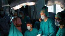 Operaţie efectuată cu succes în cazul unei femei căreia i s-a extirpat o tumoră de 23 de kg