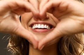 Implantul dentar – un zâmbet frumos și sănătos indiferent de vârstă