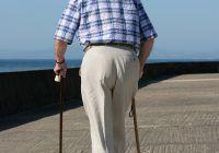 ^ Dacă nu intră imediat pe tratament, bolnavii diagnosticați cu scleroză multiplă ajung din contribuabili activi, asistați social