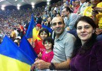 ^ Medicul, împreună cu familia la un meci al naționalei României