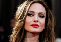 """Efectul """"Angelina Jolie"""": Numărul femeilor care solicită mastectomii a crescut de patru ori"""
