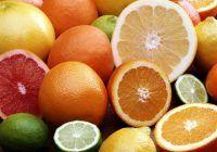 Acest fruct banal îți poate pune viața în pericol. În ce situații este strict interzis?