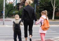 Decizia importantă luată de Casa de Sănătate care vizează românii care au copii la şcoală