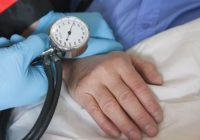 O operaţie simplă care poate vindeca hipertensiunea a fost testată cu succes şi va fi folosită în curând