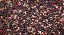 Piperul, un condiment-medicament care combate pietrele la rinichi, îmbunătăţeşte digestia şi luptă cu bolile reumatice
