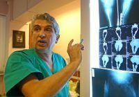 Pentru că o proteză costă cât o casă, copiii cu cancer la oase sunt puși pe picioare de Biserică și Armată