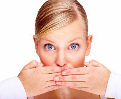 Cum scăpaţi de mirosul neplăcut al gurii