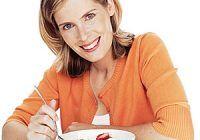 DIETĂ ANTICANCER. Ce să mâncați la cele trei mese principale ca să preveniți cancerul de sân