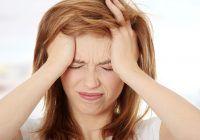 """Ce pot ascunde durerile de cap care se intensifică dimineața. Medic: """"E important să nu neglijaţi aceste simptome, fiindcă tumorile cerebrale…"""""""