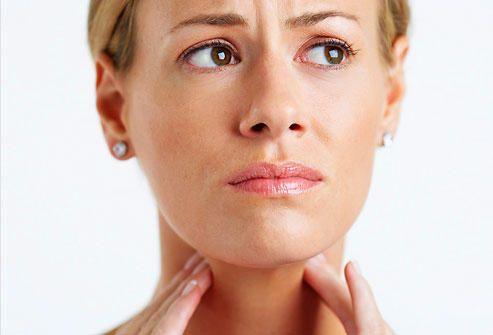 Cum calmaţi durerile în gât
