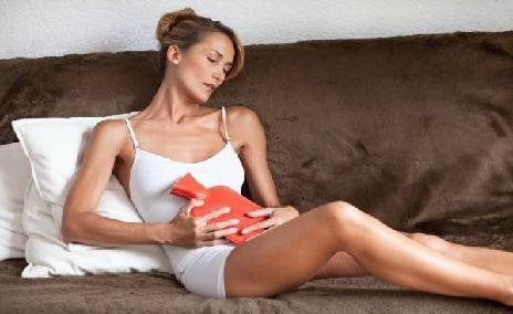 Care sunt cauzele durerilor menstruale şi cum le puteţi combate
