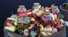 SEZONUL MURĂTURILOR: Cum conservăm pentru iarnă fructele și legumele ca să nu se piardă nutrienții