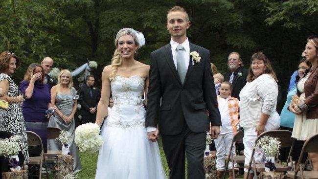Un bărbat s-a căsătorit cu cea care îi donase un rinichi