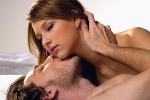 Cât trebuie să dureze o partidă de sex reuşită şi  de câte ori pe săptămână e normal să faceţi amor