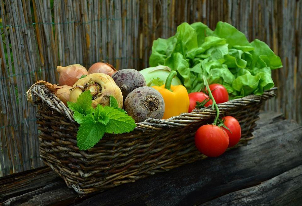 Sunt vegetalele secretul tinereţii veşnice? Cum arată o femeie care a mâncat doar fructe şi legume timp de şapte ani