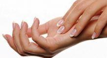 """Afecțiunile tiroidei, cancerul sau artroza pot fi """"citite"""" în aspectul mâinilor"""