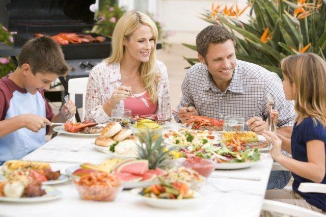 Medicii vă sfătuiesc să luați masa în familie
