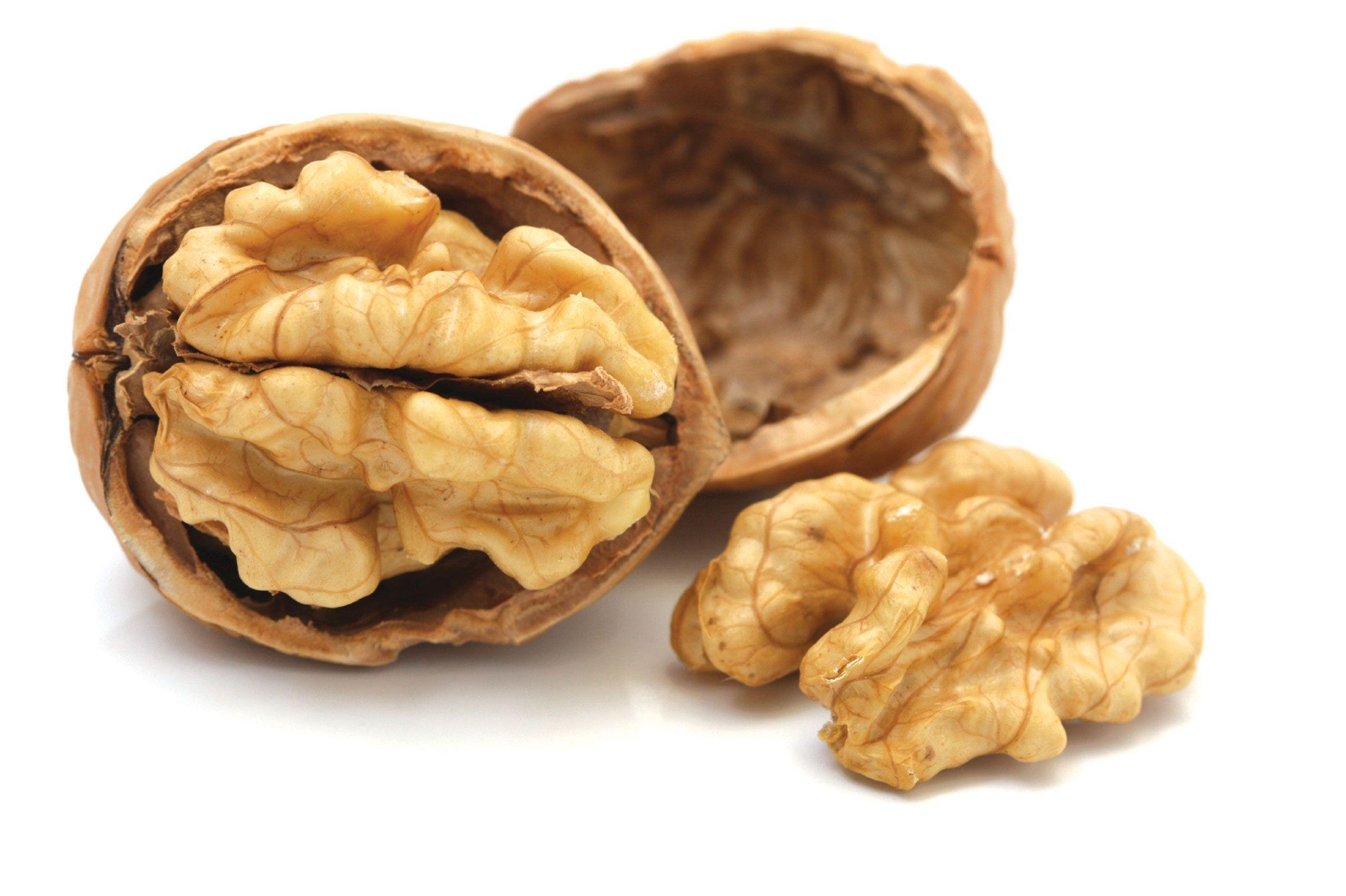 Ce boli grave poți preveni dacă mănânci nuci sau alune