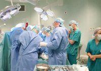 Caz fără precedent în România. Fata născută fără cel mai de preț dar a fost operată