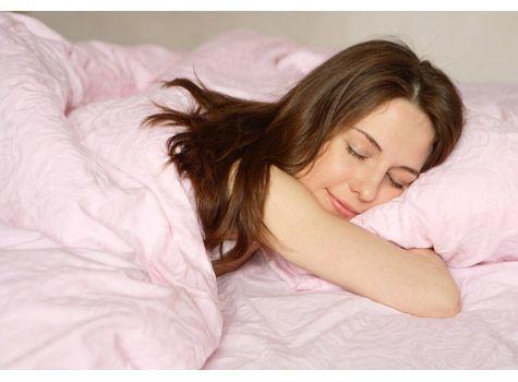 Cel mai EFICIENT remediu pentru insomnie. Bea asta înainte de culcare și o să adormi imediat