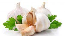 Usturoiul previne răceala și bolile de inimă. În ce cantități e indicat să îl consumați