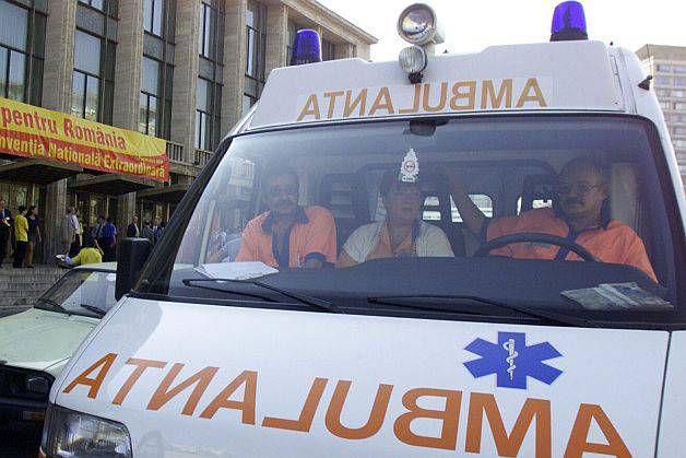 O tânără studentă la Medicină, găsită moartă după ce a căzut de la etaj
