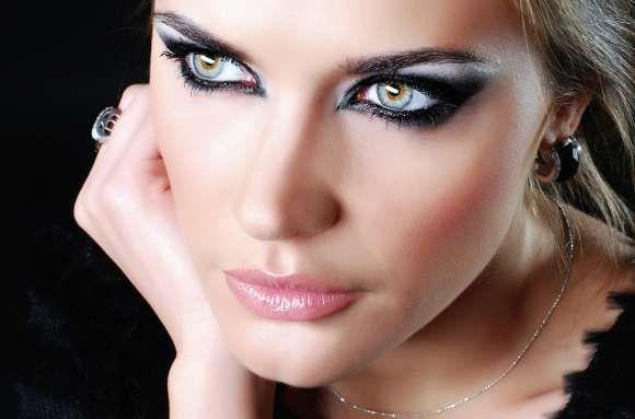 2 modalități simple de a corecta greșelile machiajului pentru ochi
