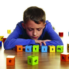 Simptomele autismului pot fi ameliorate cu bai fierbinti