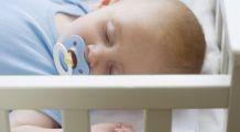 Cât de periculos este să dormi în același pat cu bebelușul