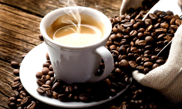 Cafeaua, sănătoasă în doze moderate. Care este cantitatea zilnică recomandată