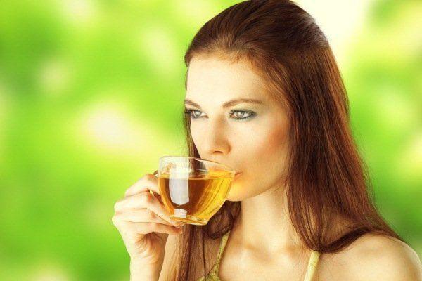 Avertizarea medicilor: Evitați să consumați acest tip de ceai vara!