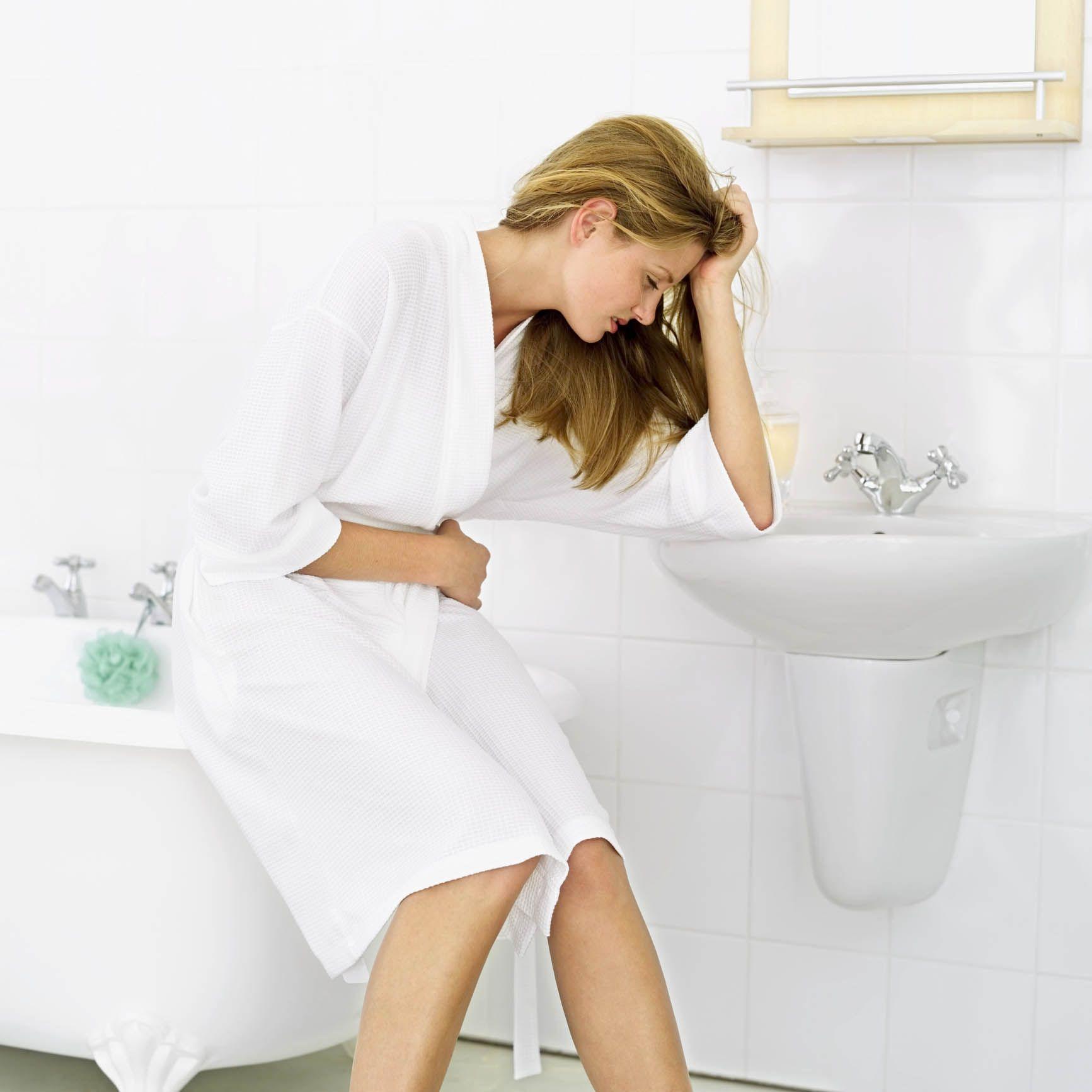Hiperaciditatea gastrică. Cele mai frecvente cauze și cum ne alcalinizăm corpul