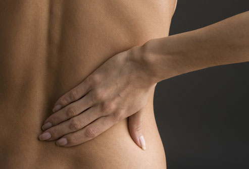 Pietrele la rinichi se dezvoltă din săruri şi minerale care sunt transportate de urină.