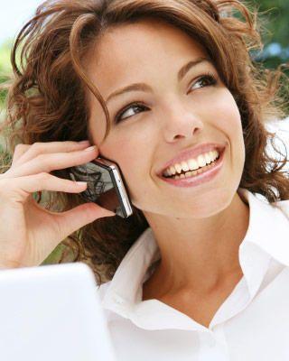 Vorbești mult la telefon și stai aproape toată ziua pe Facebook? Iată cum te pot afecta aceste lucruri