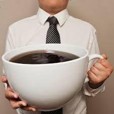 Șase semne de alarmă că ai exagerat cu cofeina
