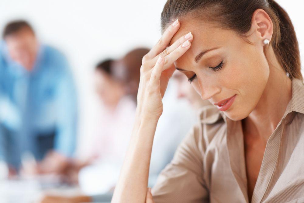"""Ce boli ascund durerile de cap? Medic: """"Dacă nu trece doar cu paracetamol sau aspirină, e nevoie de un consult neurologic"""""""