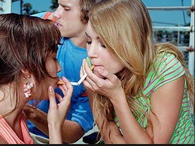 Generația care plătește prețul fumatului din liceu
