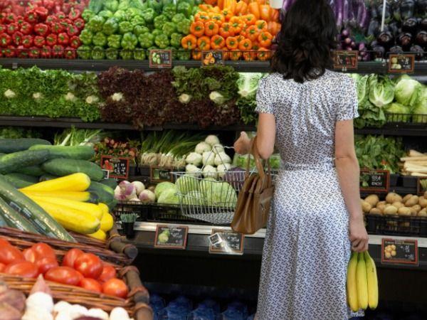 Ce CULOARE au fructele și legumele care ne DETOXIFICĂ cel mai bine corpul