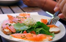 Cinci nutrienți importanți de care are nevoie orice persoană care nu face mișcare