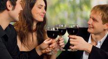 Ce boală gravă te paște dacă bei mai mult de un pahar de vin pe zi
