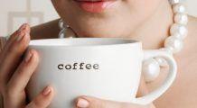 Băutura de dimineață pe care toată lumea o adoră este responsabilă pentru acnee