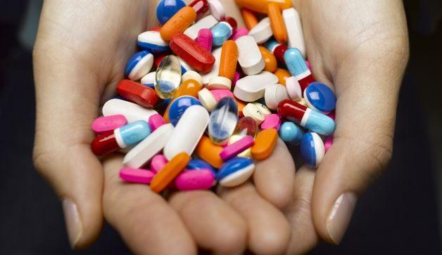 Reguli pe care să nu le încalci niciodată când iei medicamente