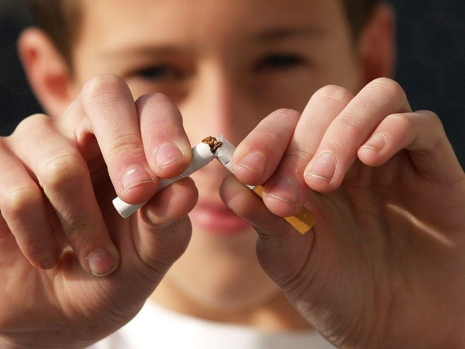 Cinci SOLUȚII testate ȘTIINȚIFIC care te ajută să te lași de fumat pentru totdeauna