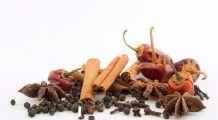 Top trei condimente care topesc grăsimea de pe burtă