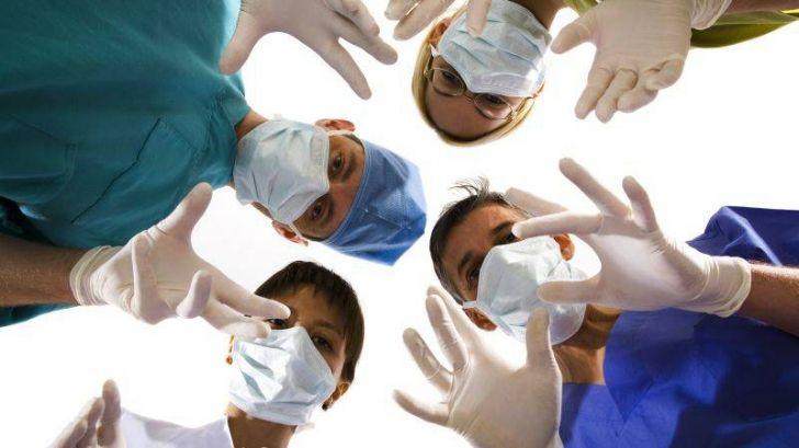 România va rămâne o țară fără medici, dacă guvernanții nu le majorează salariile