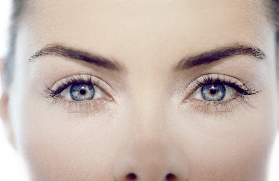 Un dispozitiv ce redă parțial vederea bolnavilor de retinită pigmentară a fost testat cu succes