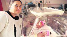 Prematurii României au nevoie de incubatoare și medici de primă mână. Povestea Vetuței, mamă de gemene care a avut noroc să nască într-o maternitate dotată