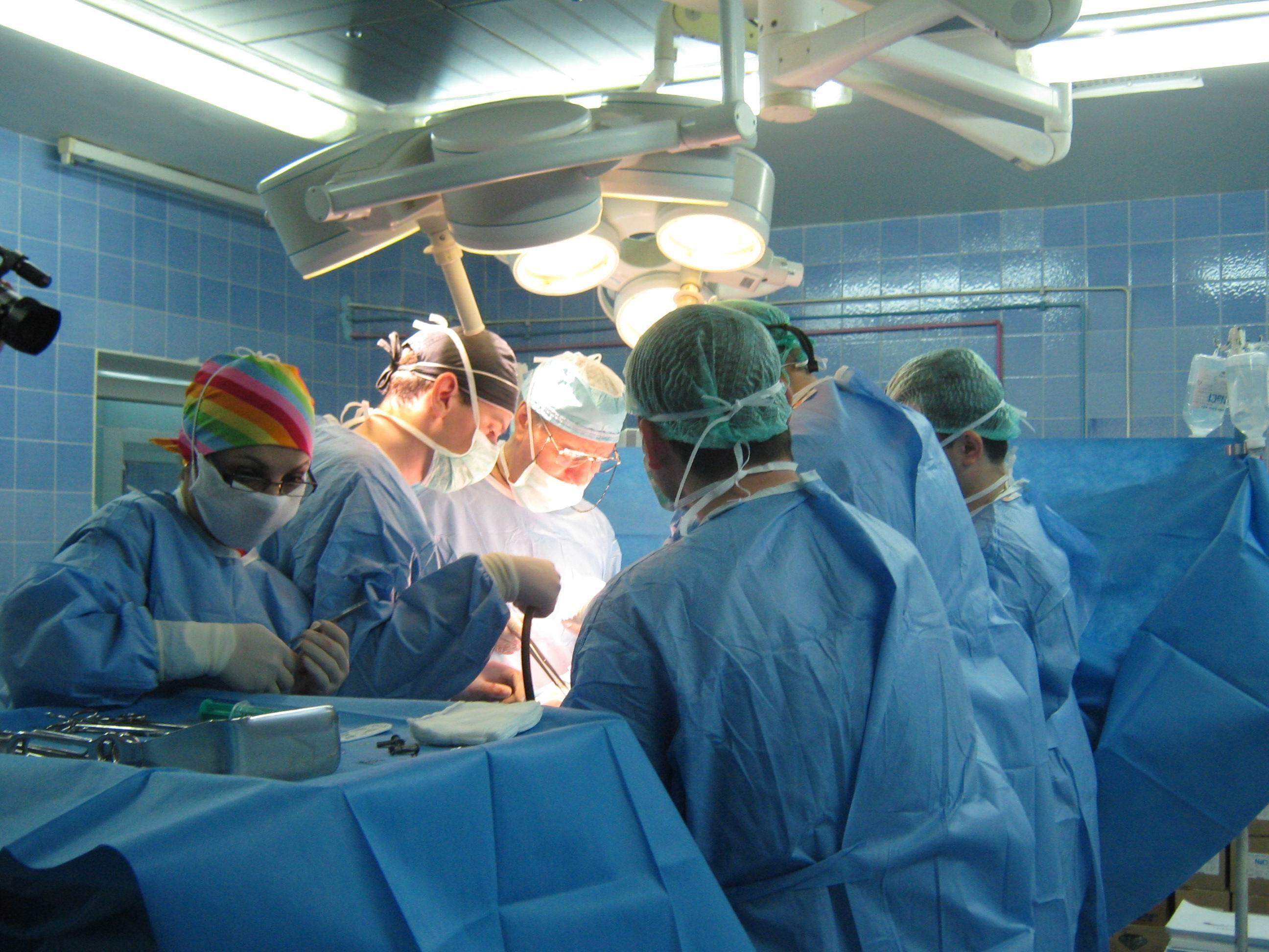 """Se sparge  """"monopolul""""  pe transplant de ficat și de inimă"""