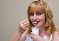 Nutriționiștii recomandă,  în general, lactatele din comerț. Dacă vreți să le preparați acasă, aveți grijă la manipularea vaselor și cumpărați lapte pasteurizat