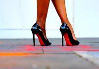 Pantofii cu toc inalt cresc riscul de cancer